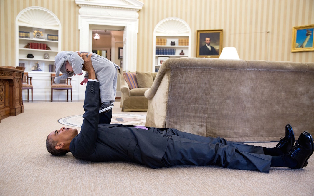 18 Intimate Photos From Obama's Last Year In Office