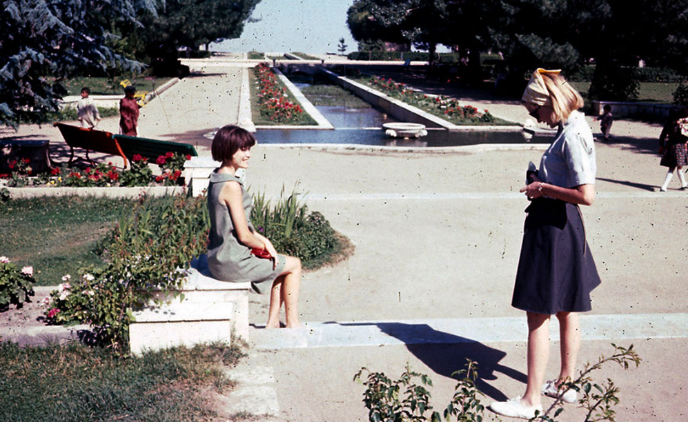 27 Perspective-Altering Photos Of Afghanistan In The 1960's